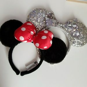 Disneyland Minnie Mouse ears bundle